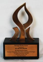 Heritage Society Award for Dr. Milton Orchin from the Ben Gurion University