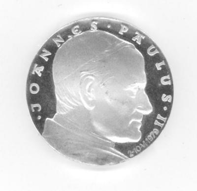 Medal Commemorating the Papal Visit of Pope John Paul II to the Auschwitz Birkenau Concentration Camp in 1979 Front/Obverse