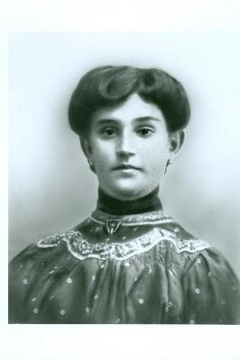 Roma's mother pre-war