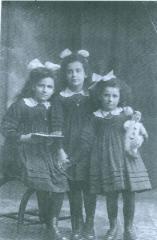 Hilda, Inge and Gerda Freudlich